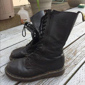 Shoes - Doc Martens Size 8